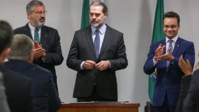Photo of Presidente interino da República, Toffoli sanciona lei que torna crime importunação sexual