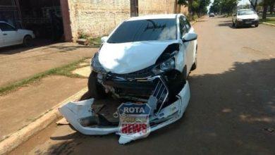 Foto de Colisão entre carro e picape deixa feridos na avenida Paraná esquina com Celso Mazutti