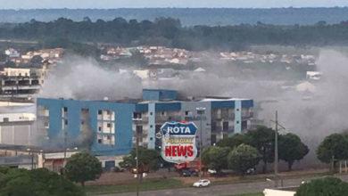 Photo of Incêndio no prédio da Diságua é contido pelo Corpo de Bombeiros em Vilhena