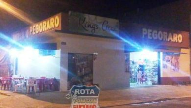Photo of Armado com garrucha, bandido e comparsa assaltam mercado no Bela Vista e chutam vítimas