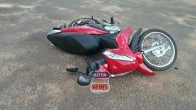 Foto de Motociclista fica ferida após acidente em cruzamento de avenidas no bairro Bodanese