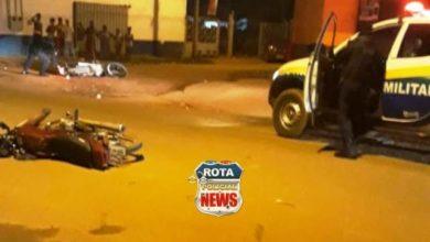Photo of Ladrões, cada um em uma moto, sofrem acidente, abandonam motos e fogem do local