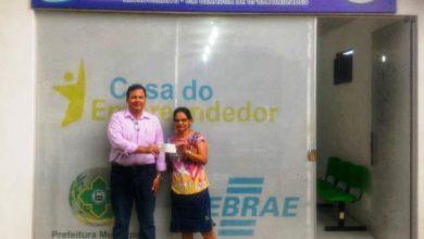 Photo of Microempreendedoras recebem cheques do Banco do Povo em Vilhena