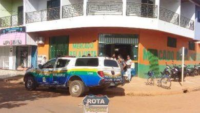 Photo of Ladrões armados e em uma Brós roubam mercado na avenida Paraná
