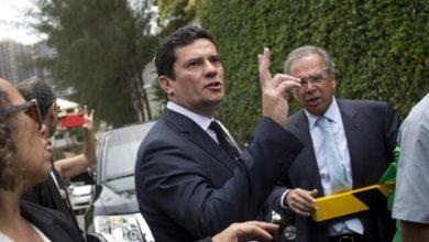 Photo of Juiz Sérgio Moro aceita convite de Bolsonaro para comandar o Ministério da Justiça