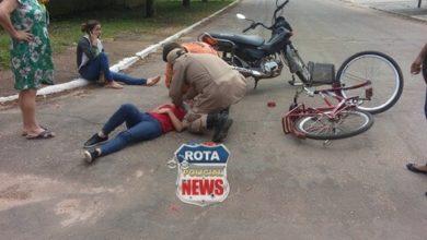 Photo of Ciclista sofre escoriações ao ser atingida por moto no Centro
