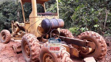 Photo of Patrola encontra-se abandonada e sem algumas peças na estrada do Selva Ranch em Vilhena