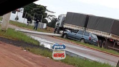 Photo of Motorista acerta poste na BR-174 próximo ao cruzamento com a avenida Curitiba em Vilhena