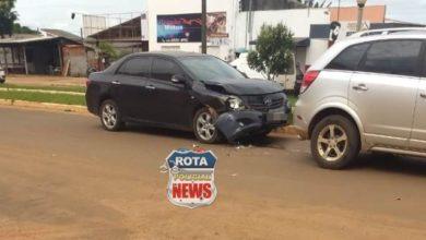 Foto de Colisão entre carros resulta em danos materiais na avenida Paraná