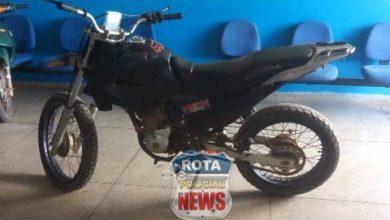Photo of Com motocicleta adulterada, jovem acaba detida em Vilhena