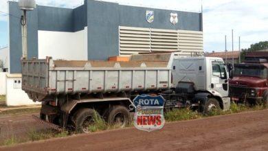 Photo of PM flagra caminhão da Prefeitura de Vilhena descarregando metro de areia em residência e motorista é preso