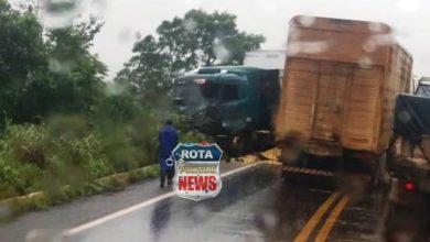 Photo of Vilhena: colisão entre carreta e ônibus deixa BR-364 interditada