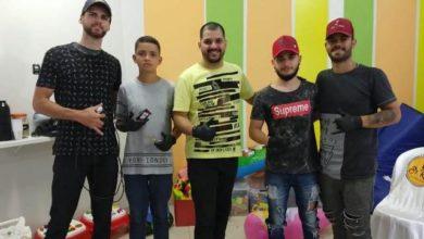 Photo of Barbeiros voluntários de Vilhena atendem pacientes no Hospital gratuitamente no domingo de manhã: ação isolada virou projeto fixo