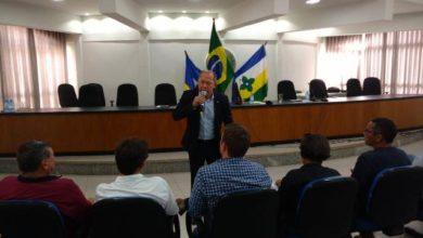 Photo of Chrisóstomo faz reunião de trabalho na Prefeitura de  Vilhena com autoridades do Cone Sul