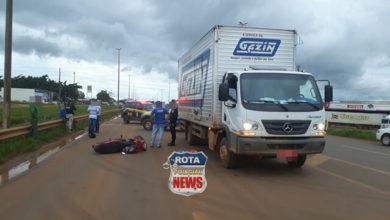 Photo of Motociclista atinge caminhão de entregas da Móveis Gazin na BR-364 em Vilhena