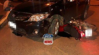 Photo of Motocicleta vai parar embaixo de automóvel após acidente de trânsito na frente do Supletivo