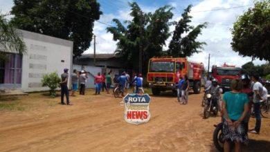 Photo of Corpo de Bombeiros combate fogo em residência no setor 08 em Vilhena