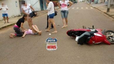 Photo of Cachorro entra na frente de moto e deixa motociclista com possível fratura na perna
