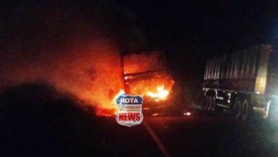 Foto de Ônibus interestadual com 35 passageiros pega fogo na BR-364 no Guaporé