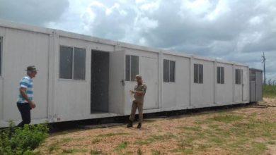 Foto de Corpo de Bombeiros interdita contêineres que eram usados como salas de aula na escola Progresso em Nova Conquista