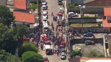 Foto de Dois adolescentes invadem escola, matam cinco crianças, uma professora e cometem suicídio