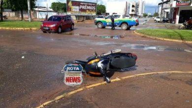Photo of Colisão entre carro e motoneta deixa mulher ferida na avenida Presidente Nasser