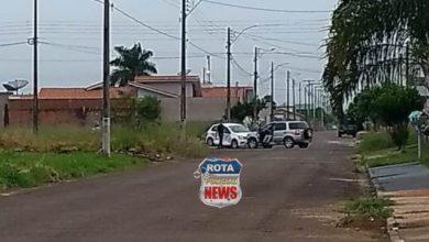 Photo of Colisão entre carros resulta em danos materiais no residencial Alphaville