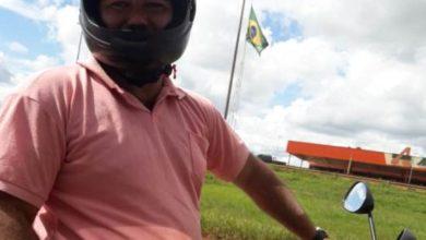 Photo of Motociclista bate em vidro de carro durante possível briga de trânsito