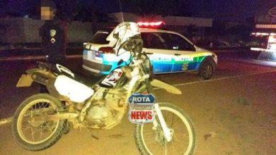 Photo of Mulher sofre ferimentos após ter moto atingida por camionete na avenida Melvin Jones