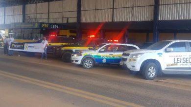 Photo of PRF com apoio da Polícia Militar e CIRETRAN Vilhena realizam blitz educativa em alusão ao Maio Amarelo