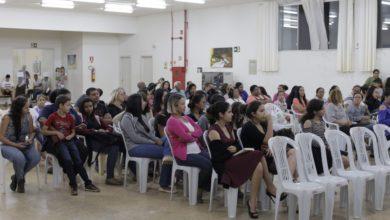 Photo of Cabeleireiros recebem diploma através de curso gratuito fruto de parceria da Semas com Senac