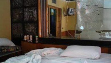 Photo of Em Vilhena, casal homafetivo destrói suíte de motel e foge sem pagar prejuízos; um dos homens usava muleta