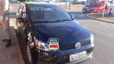 Photo of Mulher sofre escoriações após colisão entre moto e carro no Jardim Eldorado