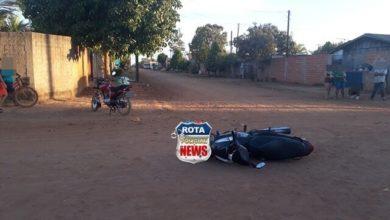 Foto de Mulher desmaia após colisão entre motocicletas no bairro Cristo Rei