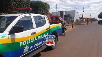 Photo of Motociclista fica desorientado após colisão entre carro e motocicleta no Jardim das Oliveiras
