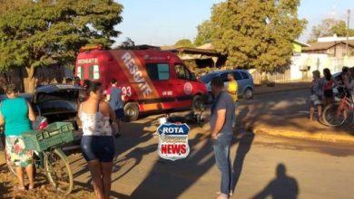 Photo of Moto e carro colidem na avenida Paraná e uma pessoa fica ferida