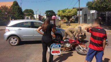 Foto de Mulher sofre ferimentos após colisão entre carro e motocicleta no Centro de Vilhena