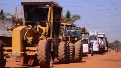Photo of Obras de asfalto no Embratel são iniciadas e moradores se emocionam ao agradecer prefeito