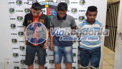 Photo of Força Tática prende trio comercializando maconha na zona Leste
