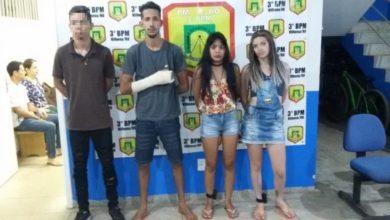 Photo of Polícia prende duas garotas e identifica suspeitos de assaltarem tabacaria