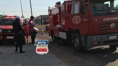 Photo of Motociclista avança preferencial e acaba atingido por caminhão ABTS no Centro