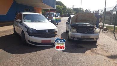 Photo of Taxista atinge veículo na rua lateral do Terminal Rodoviário em Vilhena