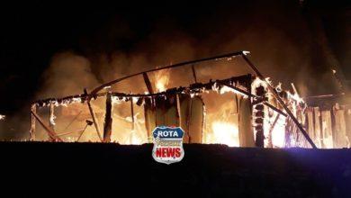 Photo of Incêndio destrói residência de madeira no bairro Alto Alegre em Vilhena