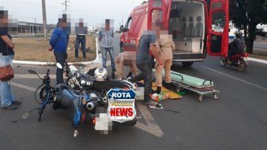 Photo of Colisão entre motocicletas em rotatória da BR-364 deixa mulher com possível fratura na perna