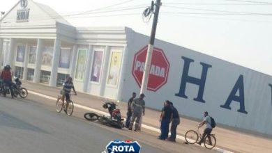 Foto de Motociclista é fechado por veículo e acaba sofrendo queda em frente a HAVAN em Vilhena