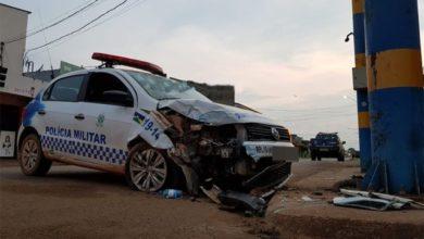 Foto de Viatura da Polícia Militar se envolve em colisão e policiais ficam feridos