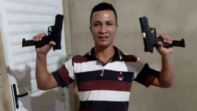 """Foto de """"Bate estacas"""" é procurado pela polícia em Rondônia, ele é acusado de três homicídios e uma tripla tentativa"""