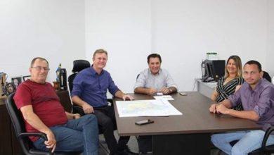 Photo of Luizinho Goebel recebe a visita de autoridades de Chupinguaia em seu gabinete na capital
