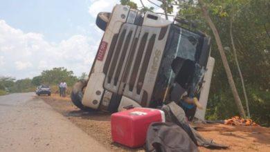 Photo of Urgente: acidente na BR-364  envolvendo uma carreta e uma camionete deixa duas vítimas fatais