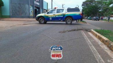 Photo of Fiação elétrica da ENERGISA arrebenta com vento e interdita avenida Melvin Jones em Vilhena